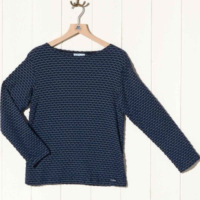 Evran, light sweater with embossed stitch