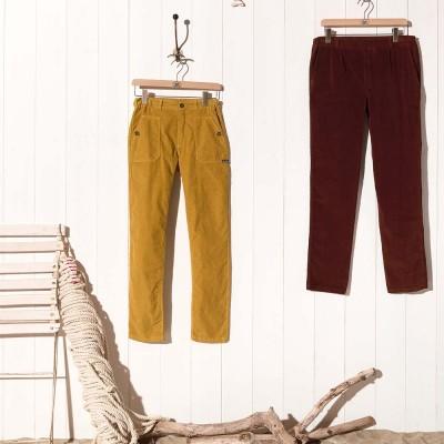 Laponie, Pantalon en velours côtes fines et fleury