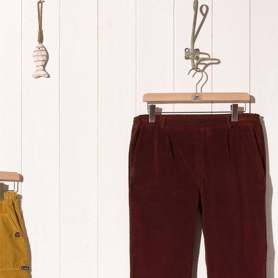 Petrus, Pantalon en velours et bas de jambes effilées